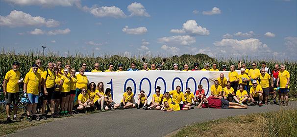Mezi Veselí nad Moravou a Uherským Ostrohem, ujeli jsme 1 000 000 km (4. 8. 2019), foto: Roman Krejčí